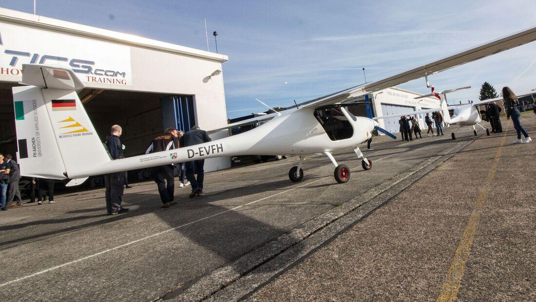 Als erste Flugschule in Deutschland bietet Westflug in Aachen-Merzbrück die Ausbildung auf einem Elektroflugzeug, der Velis Electro, an.